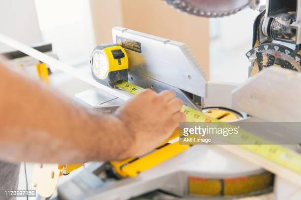 precisie gereedschap voor het snijden van hout, - herbouwen stockfoto's en -beelden