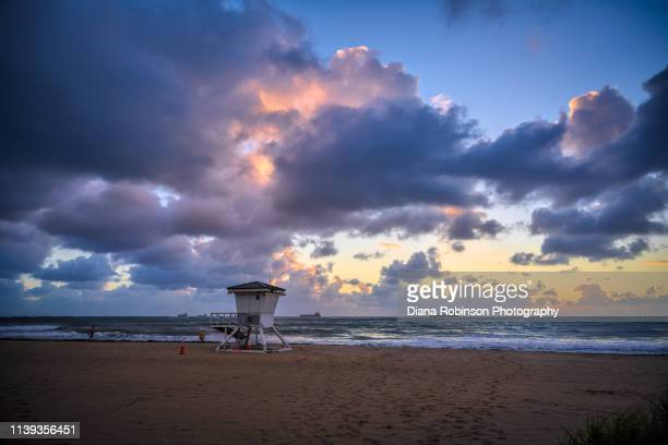 pre-dawn on fort lauderdale beach lifeguard station, fort lauderdale; florida - sunrise fort lauderdale stock pictures, royalty-free photos & images