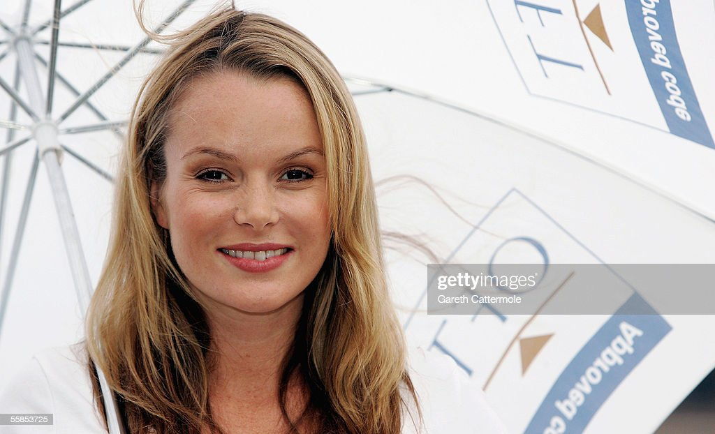 Photos et images de amanda holden photocall getty images pregnant actress amanda holden launches the official oft consumer codes approval scheme at the blueprint cafe malvernweather Choice Image