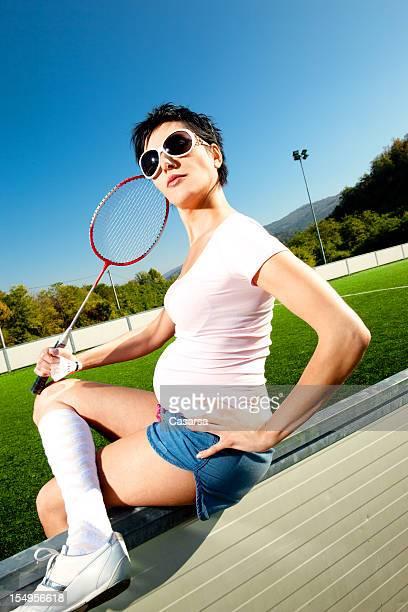 portrait de femme enceinte de badminton