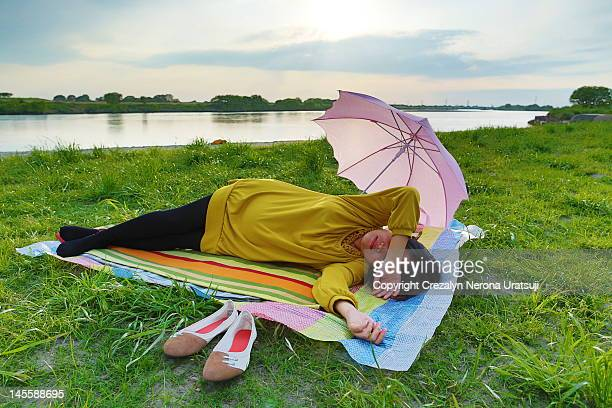Pregnant woman sleeping side position