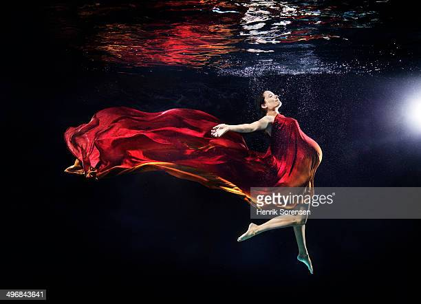 pregnant woman under water