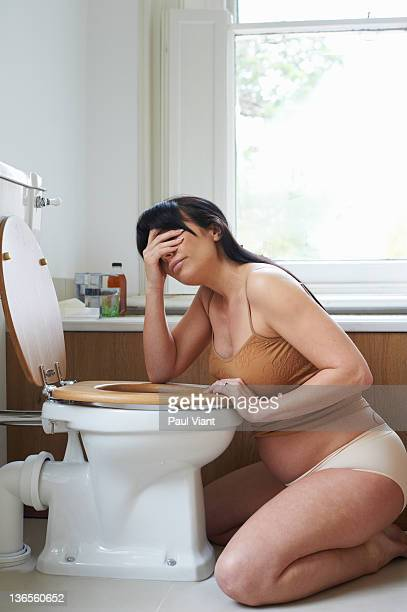 pregnant woman with morning sickness