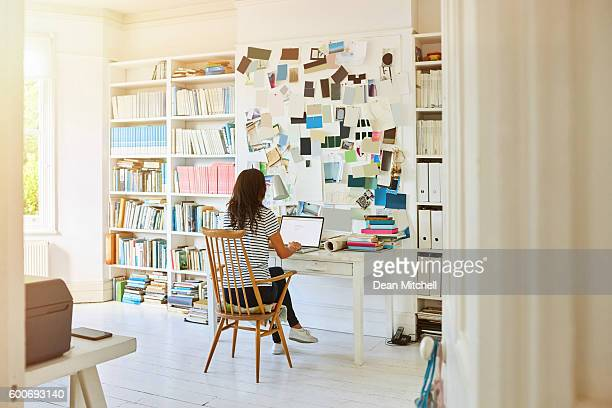 pregnant woman working at home - working from home stock pictures, royalty-free photos & images