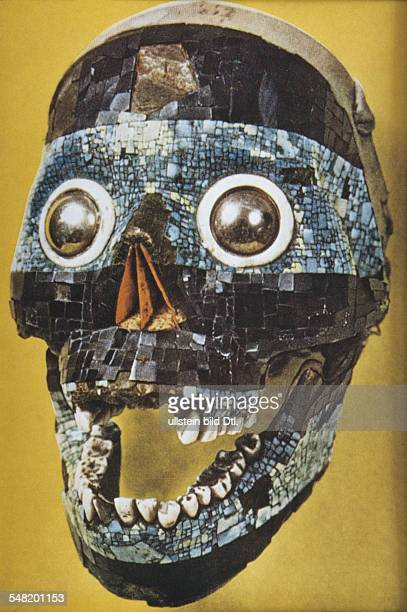 prehispanic america high culture regions mexico mesoamerica art objects Mask of god 'Tectlipoca human skull deccorated with turquoise and lignite...