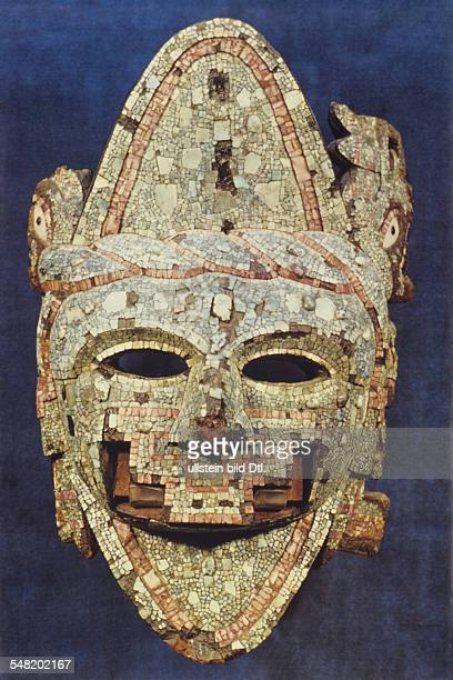 prehispanic america high culture regions mexico mesoamerica art objects religion Wooden mask decoarated with mosaic of turquios and shell about 1500...