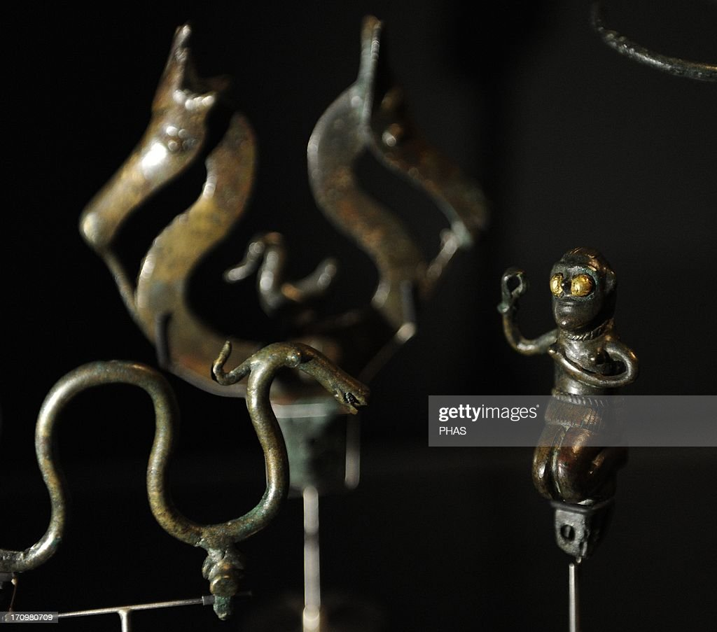 Bronze Age. Several women's ornaments and some bronze figures . C. 800 BC. Fardal, central Jutland. Museum of Denmark. Copenhaguen. . : News Photo