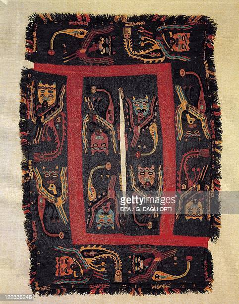PreInca civilization Peru 6th century bC Paracas culture A poncho with animal motifs made from wool Paracas necropolis period from Paracas