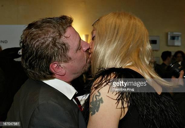 Preisträger Armin Rohde Mit Ehefrau Angela Baronin Von Schilling Bei Der Verleihung Des 40 Adolf Grimme Preis Im Theater In Marl Am 030404