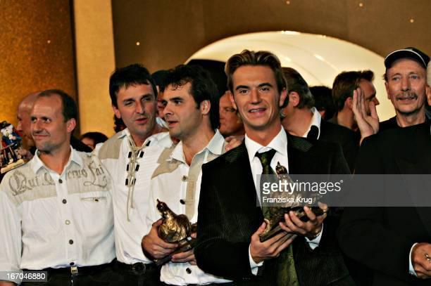 Preisträger Der Kategorie Musik Publikumspreis De Randfichten Und Preisträger Der Kategorie Tv Publikumspreis Florian Silbereisen Bei Der Zehnten...