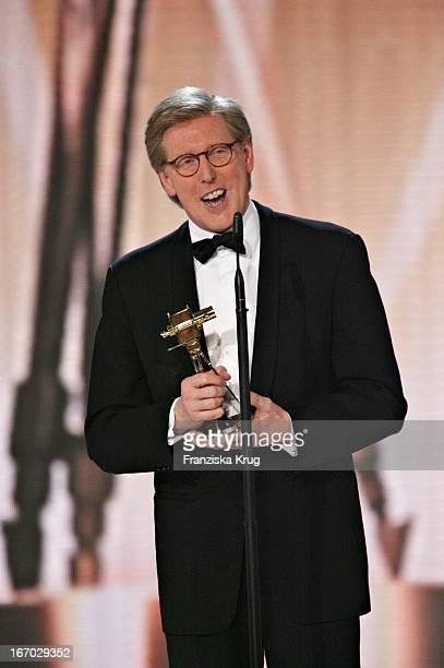 Preisträger Theo Kroll Bei Der 42 Verleihung Der Goldenen Kamera In Berlin