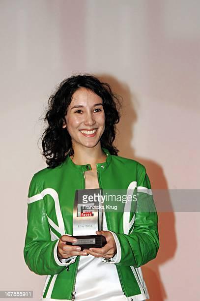 Preisträgerin Sibel Kekilli Bei Der Verleihung Des New Faces Award Im Bcc In Berlin Am 170604