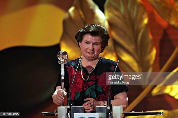 Preisträgerin Valentina Tereschkowa Bei Der Verleihung Der 'Womens World Awards' In Hamburg