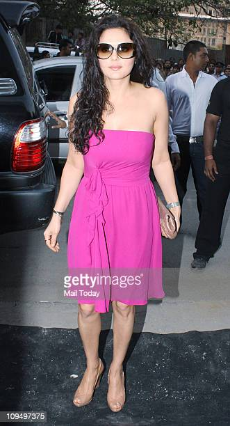 Preity Zinta at the launch of Suzanne Roshan's 'The Charcoal' project at Andheri Mumbai on February 272011