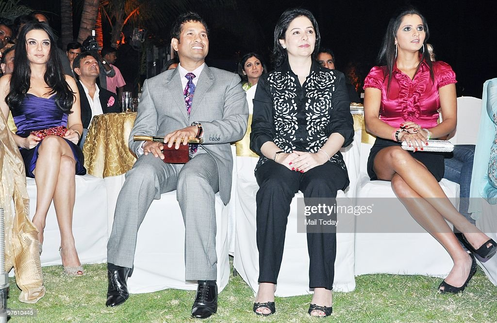 Preity Zinta Sachin Tendulkar with wife Anjali and Sania Mirza during a ceremony organised by `Sports Illustrated` to felicitate the most influential.