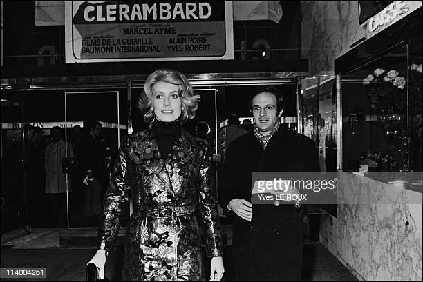 Premiere of 'Clerambard' by Yves Robert in Paris France on October 03 1969Catherine Deneuve and Francois Truffaut