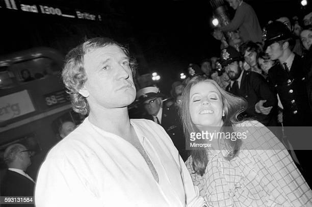 Premiere of the film 'Midnight Cowboy' Richard Harris escorting Ann Kristin into the theatre September 1969 Z09028006