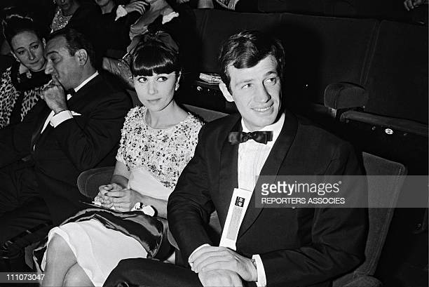 Premiere of 'WEEKEND A ZUYDCOOTE' JeanPaul Belmondo and wife Elodie in France on December 18 1964