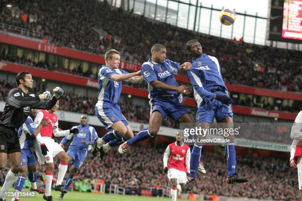 Premiership Football, Arsenal v Portsmouth, No Arsenal players compete as Portsmouth goalkeeper David James watches Portsmouth players Matt Taylor,...