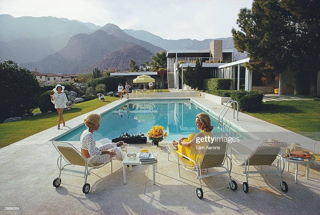 Poolside Gossip : News Photo