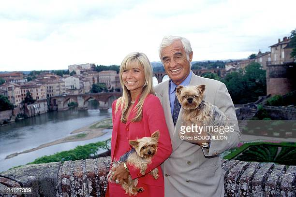 Preopening meeting of Paul Belmondo exhibition at the Toulouse Lautrec museum In Albi France On June 261997 Jean Paul Belmondo and Nathy