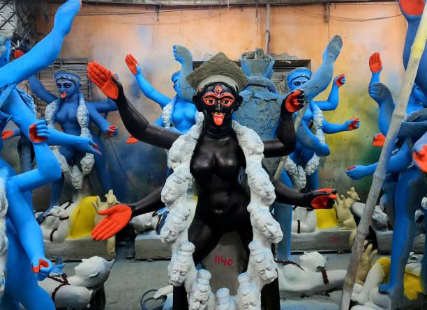 IND: Preparation Of Kali Puja In Kolkata