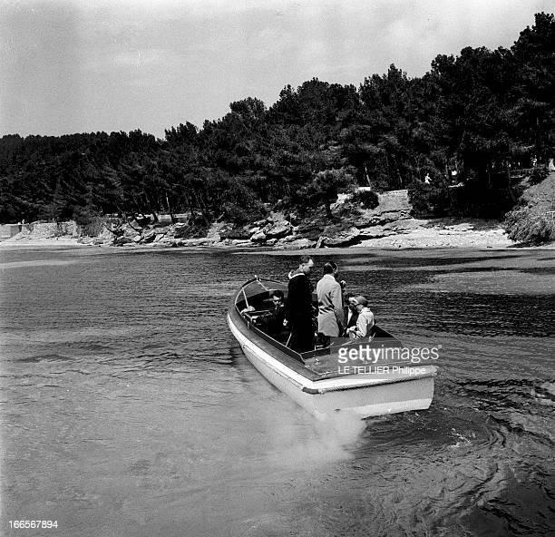 Preparation Wedding And Honeymoon Of Grace Kelly And Rainier Iii Of Monaco Formentor 12 Mai 1956 Lors de leur voyage de noces le Prince Rainer DE...