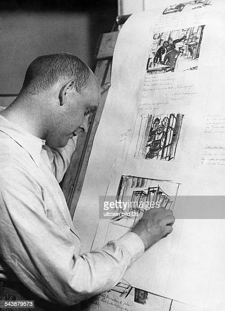 Preparations for filming Creation of a storyboard Production designer Fritz Maurischat at work ca 1932 Photographer Weltrundschau Erich...