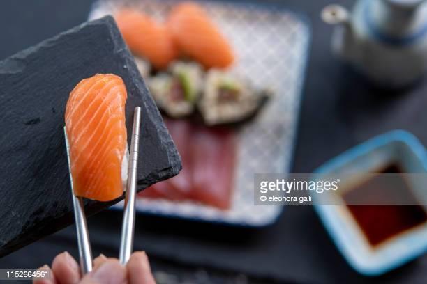 prepare the sushi - nigiri ストックフォトと画像