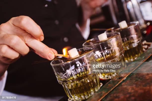 Preparing absinthe