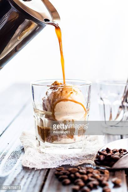 Preparing Affogato al caffe