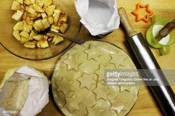 preparing an apple pie - gregoria gregoriou crowe fine art and creative photography stockfoto's en -beelden