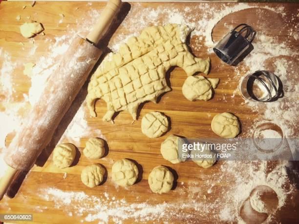 Preparing biscuits
