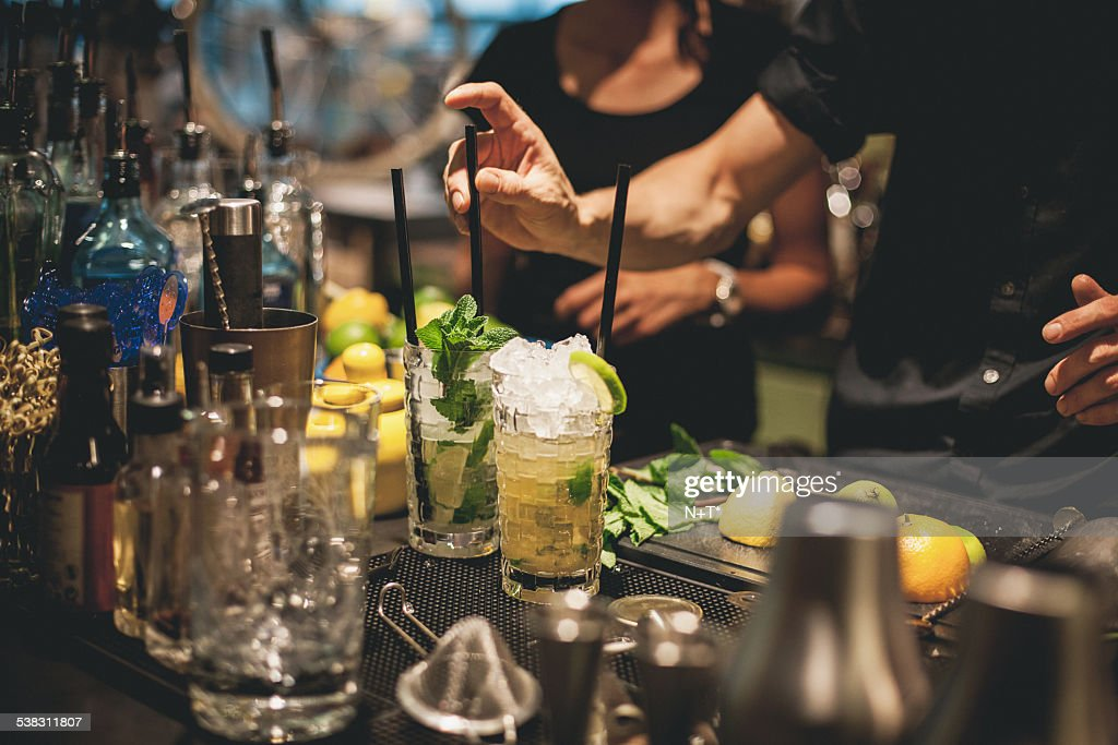 Preparing cocktails : Stock Photo