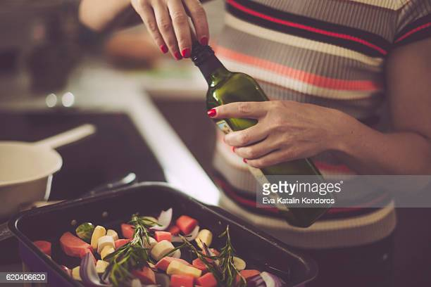 preparing food - olive oil stock pictures, royalty-free photos & images