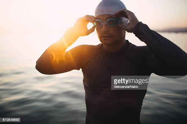preparing to dive in - endurance - fotografias e filmes do acervo