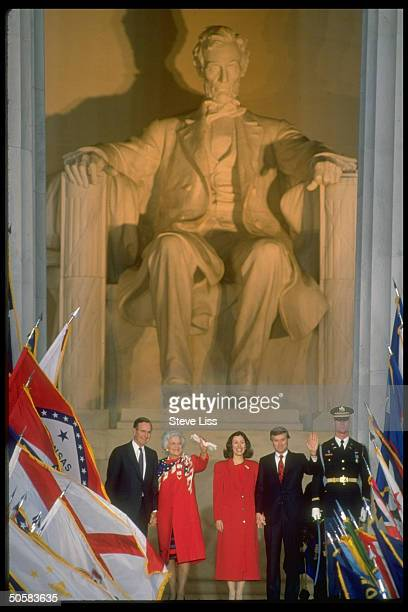 Pres Barbara Bush VP Marilyn Quayle during inaugural opening ceremony at Lincoln Memorial