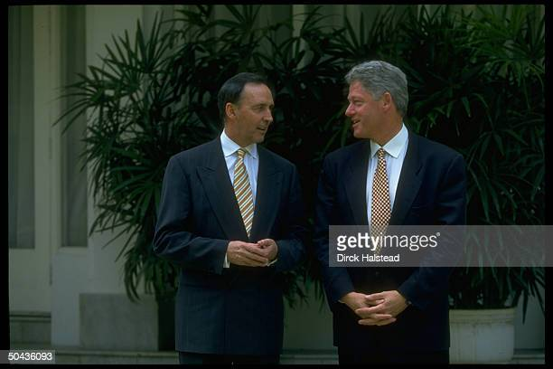 US Pres Bill Clinton w Australian PM Paul Keating during AsiaPacific Economic Cooperation summit