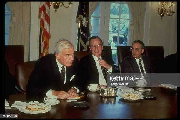 Pres Bush during budget mtg w cong leadership Sen Maj ldr Mitchell House Spkr Foley at WH