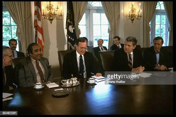 Pres Bush during mtg in Cabinet Rm prob re war on drugs w fr R Reps Broomfield Rangel Drug Czar Bennett