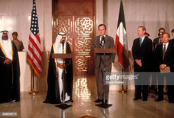 Pres Bush Kuwaiti Emir Jaber alAhmad Al Sabah at podiums w State Secy Baker re mtgs on gulf crisis at AlHamra guest palace