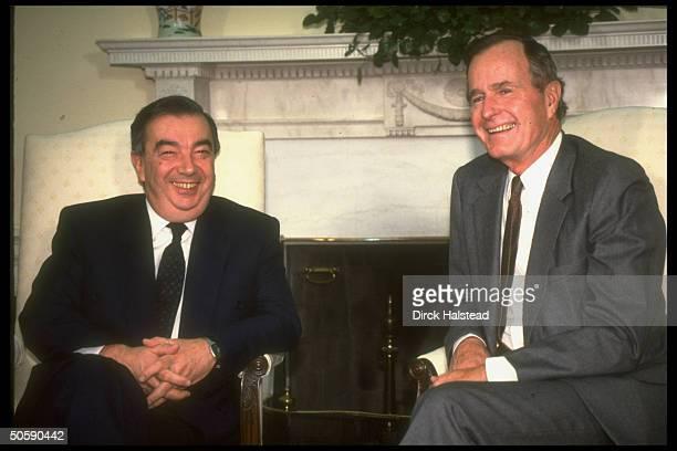 Pres. Bush mtg. W. Soviet Mideast envoy Yevgeny Primakov re gulf crisis , in WH Oval Office.