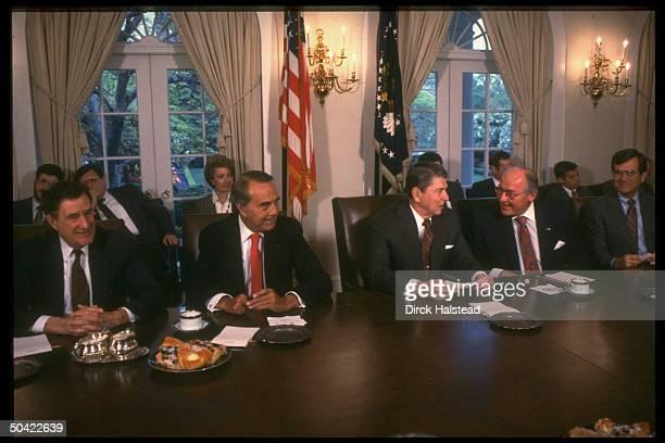 Pres Reagan mtg w GOP congressional ldrship Reps Lott Michel Sens Dole Chafee re Iran Trade Bill