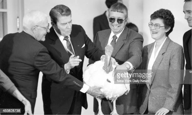 Pres Ronald Reagan and the annual Pardong of the Thanksgiving Turkey