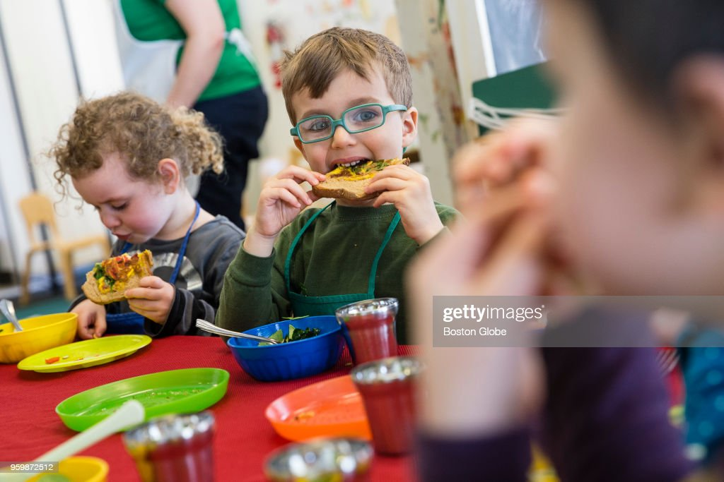 Teaching Kids How To Junk Bad Eating Habits Lexington Ma March 26 Pre School Students At The Community Nursery
