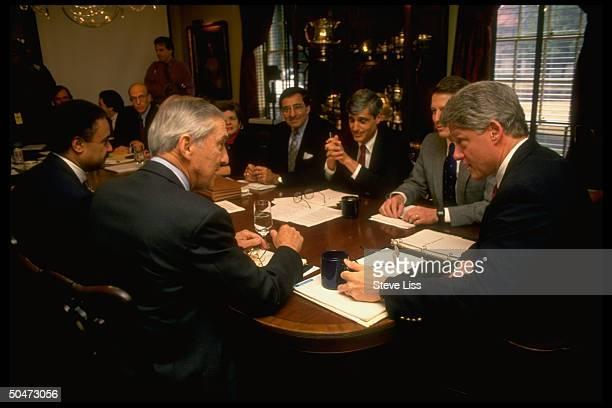 Preselect Bill Clinton VPelect Gore mtg w economic team Bentsen Brown Rubin Panetta et al