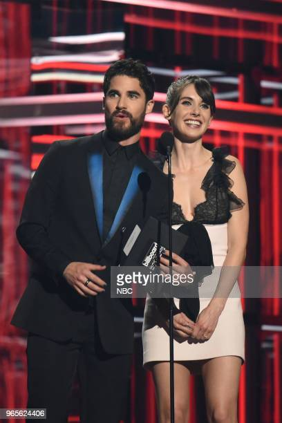 AWARDS Presentation 2018 BBMA's at the MGM Grand Las Vegas Nevada Pictured Darren Criss Alison Brie