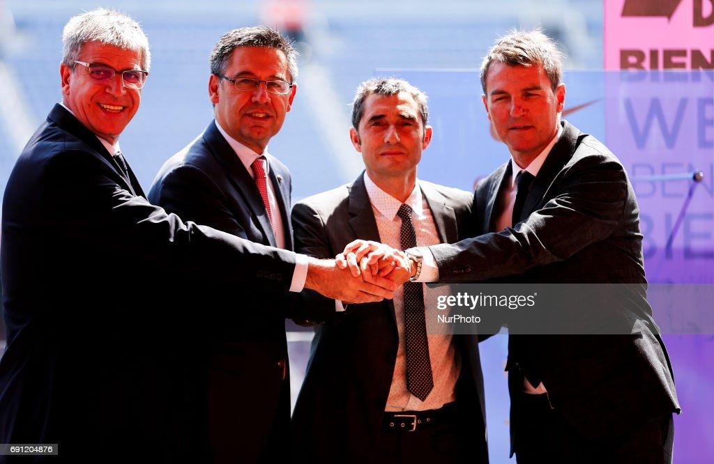Presentation of Ernesto Valverde, new FC Barcelona's coach : ニュース写真