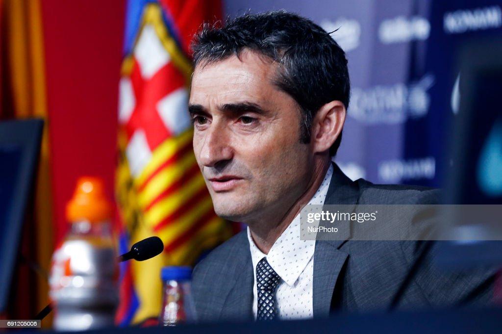 Presentation of Ernesto Valverde, new FC Barcelona's coach : News Photo