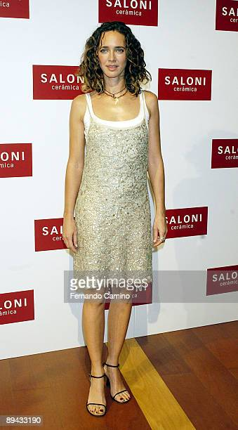 Presentation of the new Campaign of Publicity 2003 and of the new collection that the Designer Roberto Verino had made exclusively for Saloni Blanca...